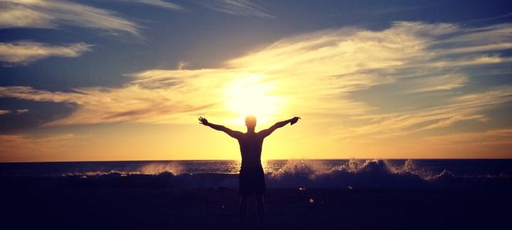 Glück: Das Gefühl, die Welt umarmen zu können